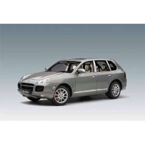 Porsche Cayenne Turbo 1/18 Grey Metallic Toys & Games
