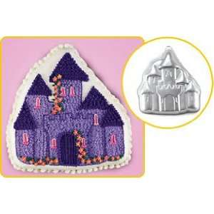 Party Supplies   Enchanted Castle Cake Pan Toys & Games